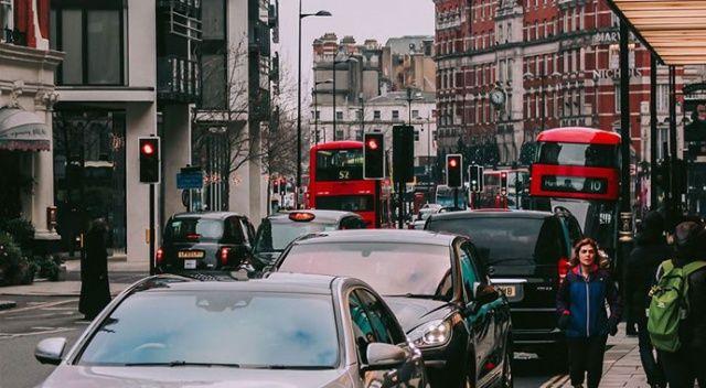 İngiltere 2030'da benzin ve dizel araç satışını yasaklayacak