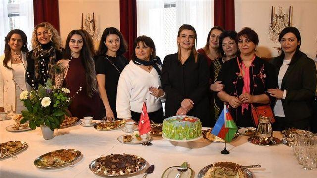 İsveç'te Türk ve Azerbaycan Türk'ü kadınlardan 'Dağlık Karabağ' dayanışması