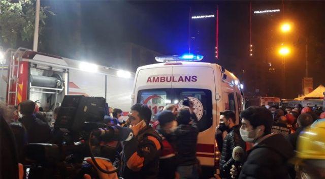 İzmir'de 33 saat sonra enkazdan yaralı çıkartıldı