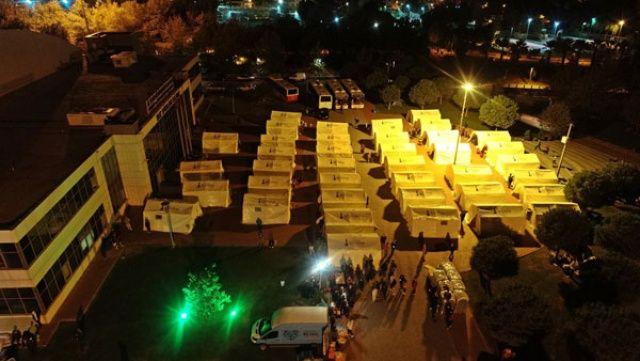 İzmir'de deprem sonrası 712 artçı