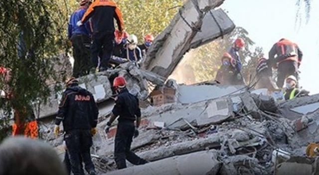 """İzmir depreminde yıkılan binalarda """"beton kalitesizliği"""" tespiti"""