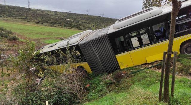 Kayaşehir'de  İETT otobüsü devrildi