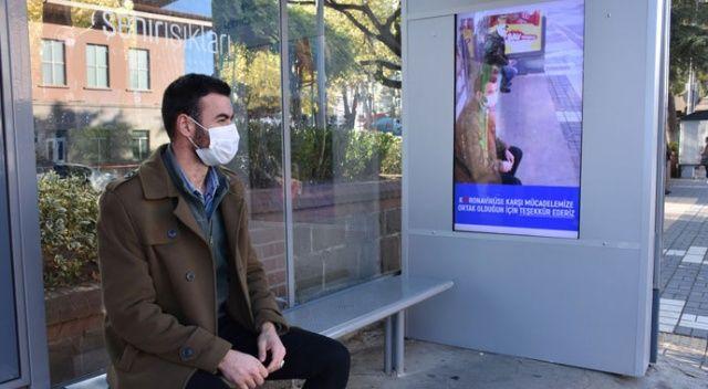 Maske takmayana dijital virüs