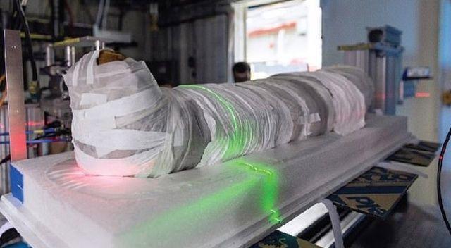 Mumya bilgisayarlı tomografi ve X ışınlarıyla cesede zarar vermeden araştırılıyor