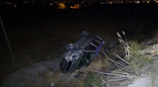 Niğde'de çarpışan iki araç şarampole devrildi: 2 yaralı
