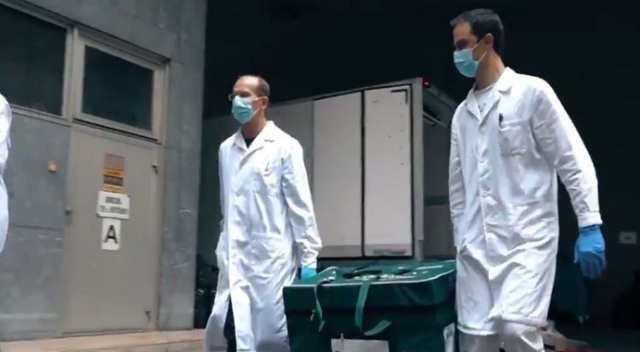 Rusya ilk kez bir AB ülkesine Covid-19 aşısı gönderdi