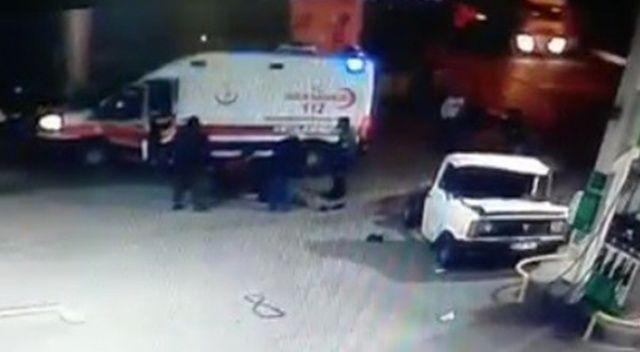 Trabzon'da feci kaza: Sürücü savruldu, kamyonet ikiye bölündü