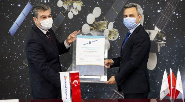 Türk uydularını 2,2 milyar liraya sigortaladı
