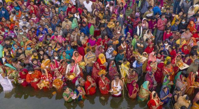 Yüz binler ölüyor, Hinduların umurunda değil