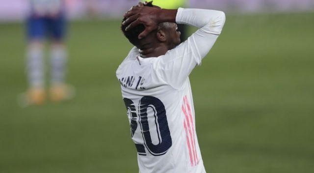 Zirveden uzaklaşan Real Madrid alarm veriyor