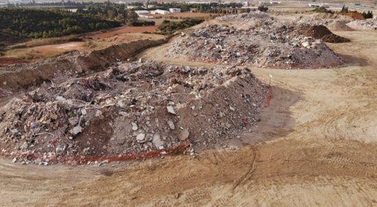 Bu moloz yığınları 114 kişiye mezar oldu
