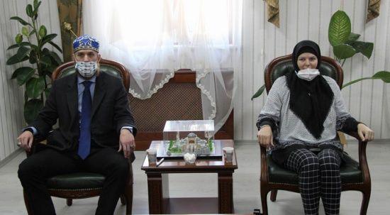 Kapadokya'da ezan sesini duyan ABD'li anne ve oğlu Müslüman oldu