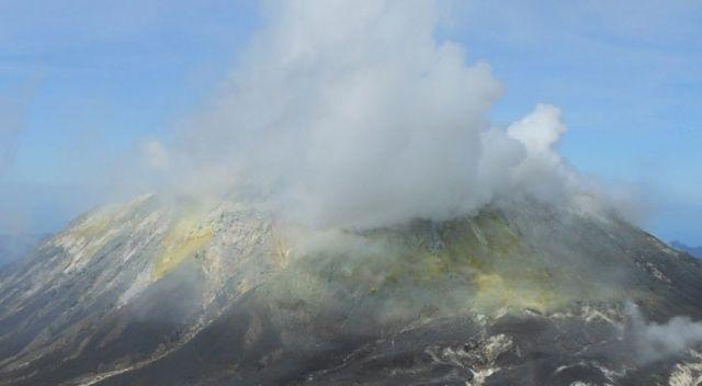 Endonezya'daki yanardağda son 24 saatte 2 patlama