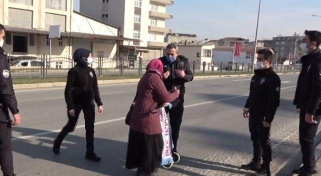 Trafiği tehlikeye düşüren kadın, polise zor anlar yaşattı