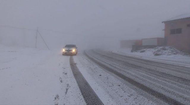 Tunceli'de kardan kapanan 52 köy yolu ulaşıma açıldı, 4'ünde çalışma sürüyor