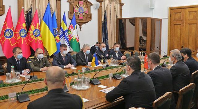 Türkiye ve Ukrayna arasında ortak SİHA ve savaş gemisi üretimine ilişkin imzalar atıldı