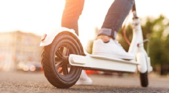Elektrikli scooter'a 15 yaş şartı geldi