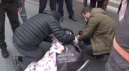 Kaza yapan motosikletli kadının yardımına İHA muhabiri yetişti