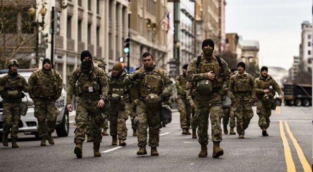 ABD'deki tarihî yemin törenine katılacak askerleri de didik didik ettiler