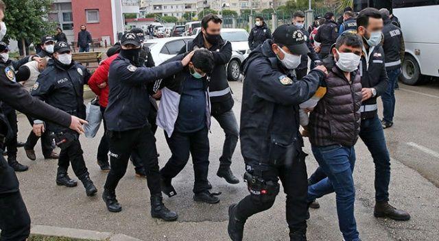 Adana'da suç örgütü operasyonu: 9'u polis 41 zanlı tutuklandı