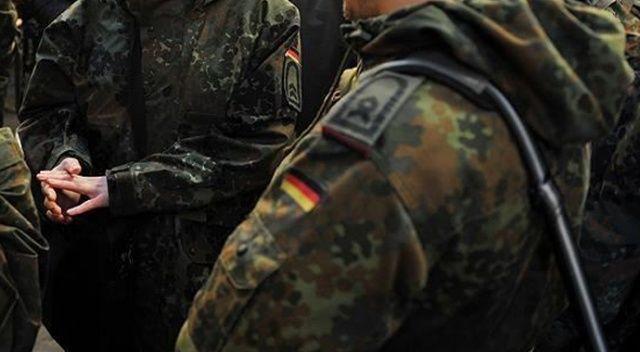 Almanya'da 10 bin asker, Covid-19 testi için sahaya çıkıyor
