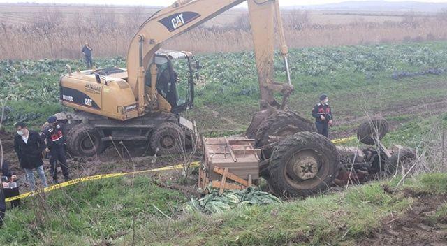 Baba oğul traktör kazasında can verdiler