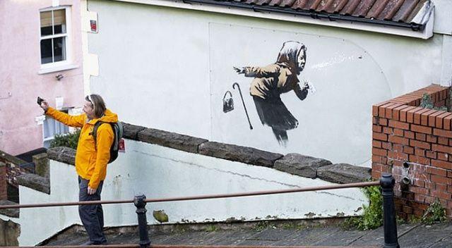 Banksy resim yaptı, evin fiyatı 300.000'den 5 milyon sterline fırladı