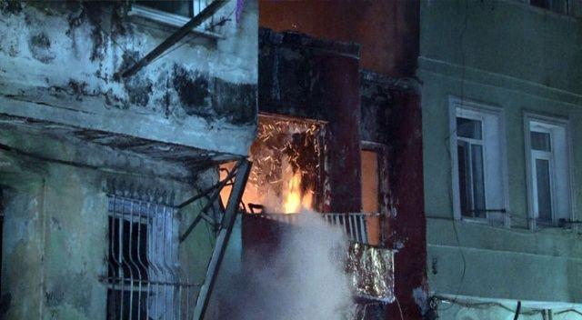 Beyoğlu'nda korkutan hurdacı yangını