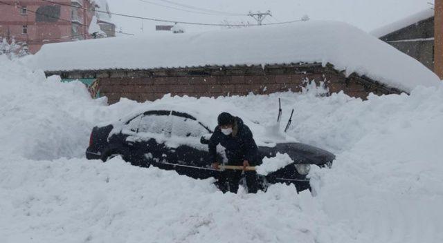 Bitlis kara gömüldü, 296 köy yolu ulaşıma kapandı