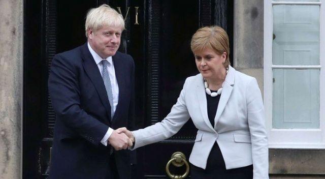 Boris Johnson İskoçya'yı ziyaret etmek istiyor, İskoçya Başbakanı karşı çıkıyor