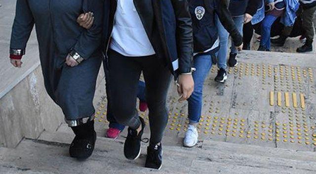 Bursa'da eş zamanlı operasyonla 16 FETÖ'cü kadın yakalandı