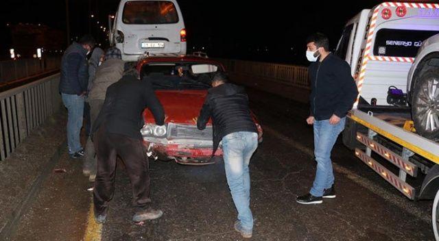 Buzlanan köprüde 7 araç birbirine girdi