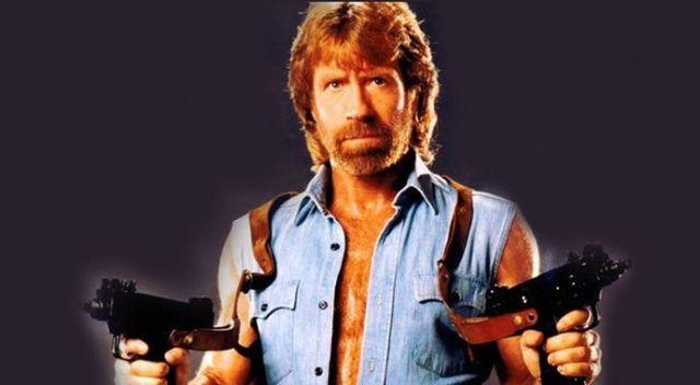 Chuck Norris'ten açıklama: Kongre baskınındaki ben değilim