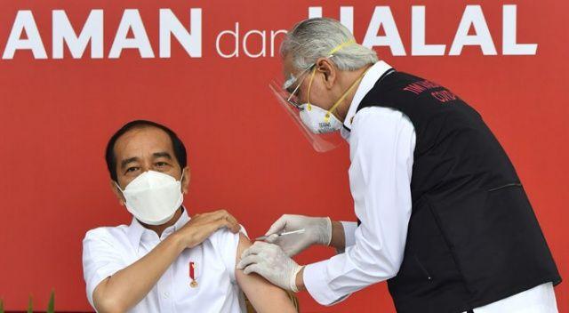 Endonezya'da ilk Kovid-19 aşısı Devlet Başkanı Widodo'ya yapıldı