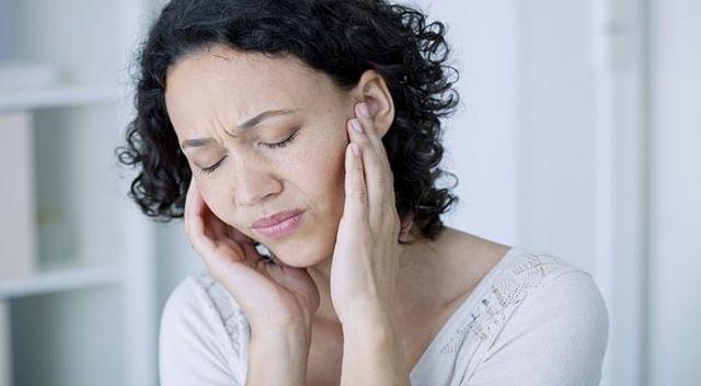 Hıçkırık, kulak çınlaması ve psikolojik rahatsızlıklar da Covid-19 belirtisi