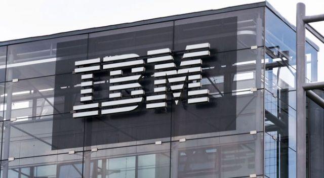 IBM'in geliri 2020'nin dördüncü çeyreğinde azaldı