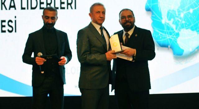 İhlas Koleji'ne Ulusal Eğitim Markası ödülü