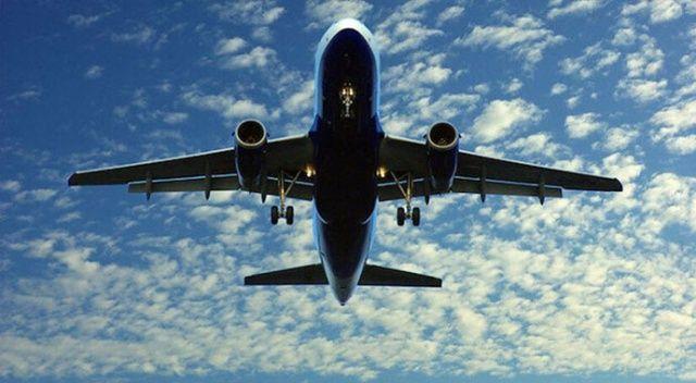 İniş takımı bozulan uçak güçlükle inebildi