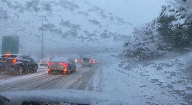 İstanbul'da kar trafiği: Yoğunluk yüzde 85'e ulaştı