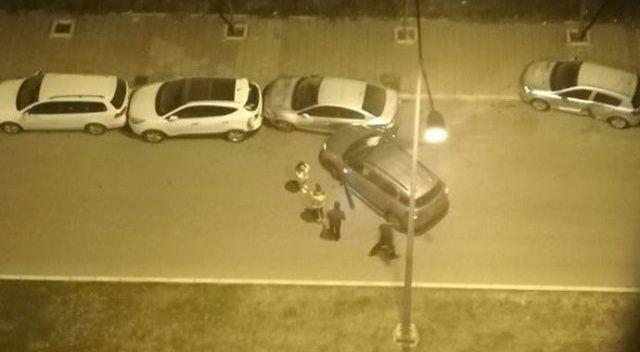 İzmir'de 4 otomobile çarpan cipin sürücüsü kaçtı