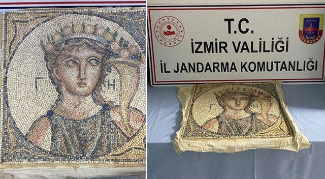 İzmir'de Roma dönemine ait 2 bin yıllık mozaik ele geçirildi