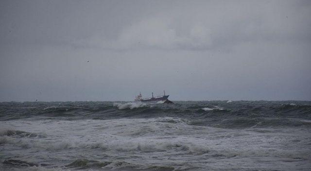 Karadeniz'de facia! Gemileri ikiye ayrıldı: Böyle kurtarıldılar