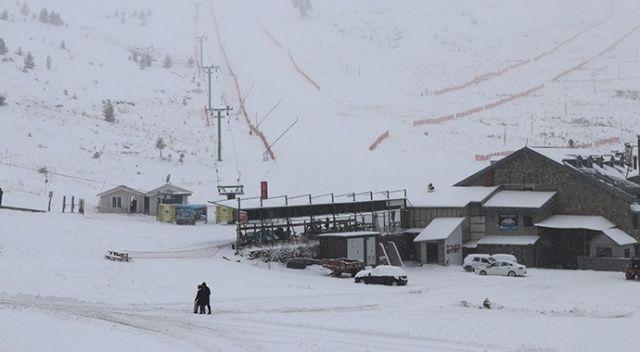 Kartalkaya'da kar kalınlığı metreyi geçti