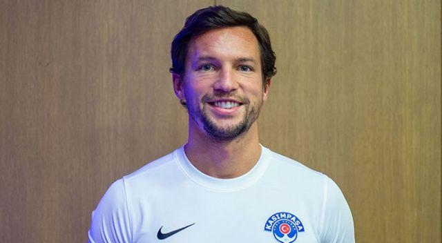 Kasımpaşa'nın yeni transferi maça çıkmadan sakatlandı
