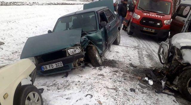 Konya'da üç araç çarpıştı: 1 ölü, 4 yaralı