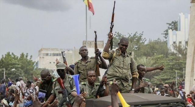 Mali'de darbeden 5 ay sonra askeri cunta feshedildi