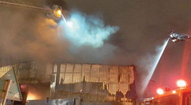 Maltepe'de hurdalık alanda yangın çıktı