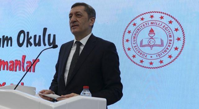 MEB, 500 bin tableti öğrenciler  teslim etti