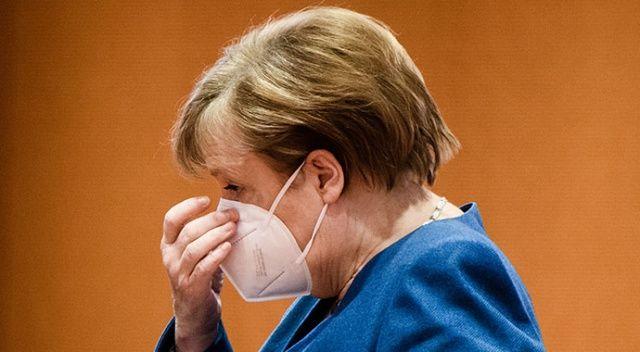 Merkel'den korkutan uyarı: 8-10 haftalık bir döneme ihtiyaç var