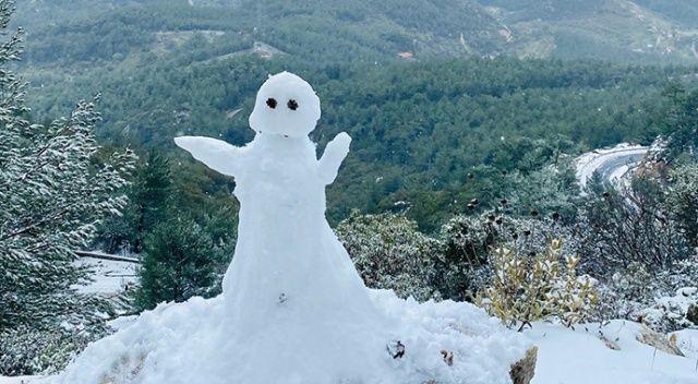 Muğla Datça'ya kar yağdı